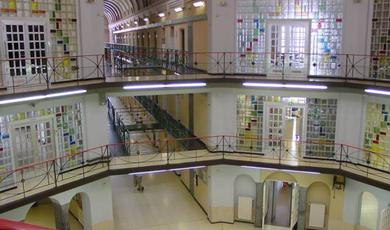Boek een spreker via Prison Talk