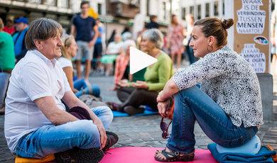 Neem deel aan het Eye Contact Experiment in Brussel